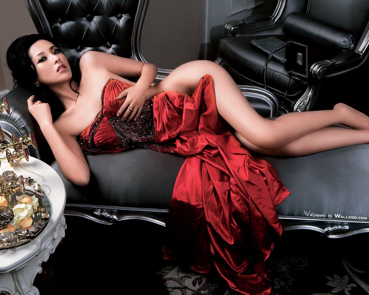 Сексуальная китаянка в платье 7 фотография
