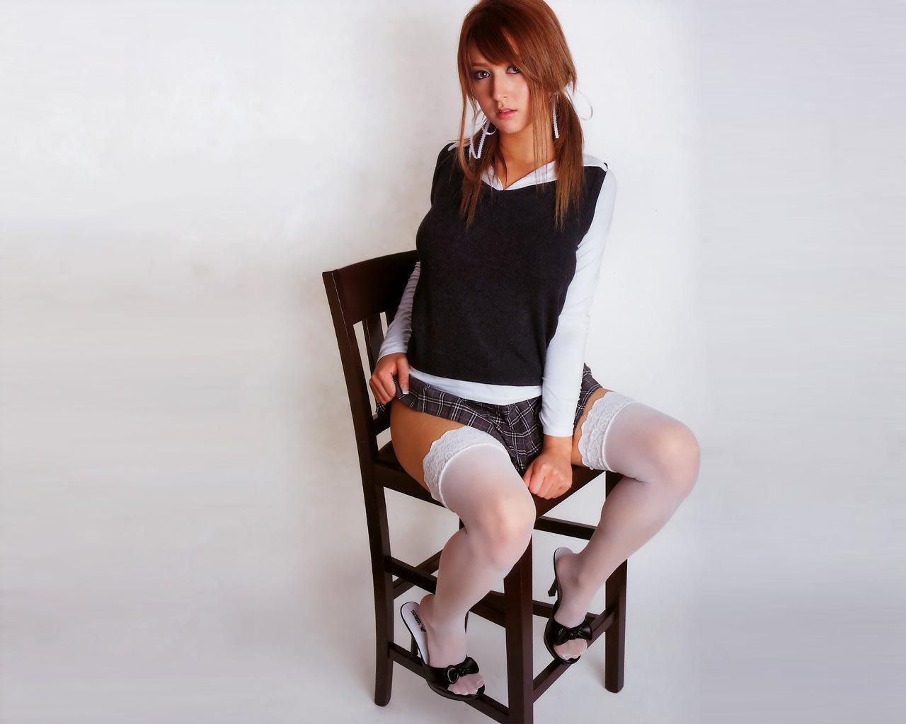 Фото японка в мини юбке 27 фотография