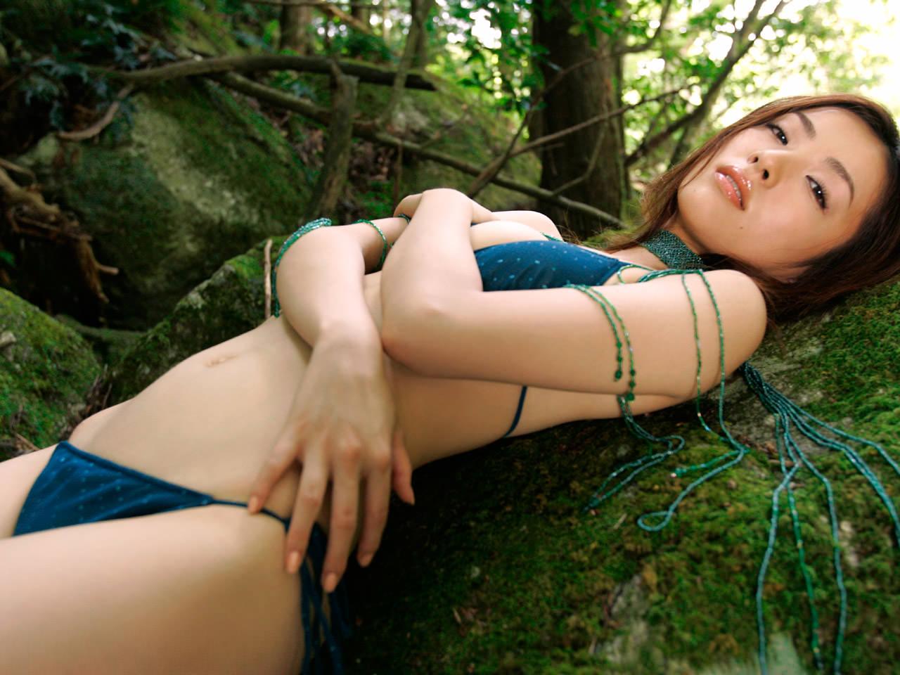 Стройная и красивая японка 20 фотография