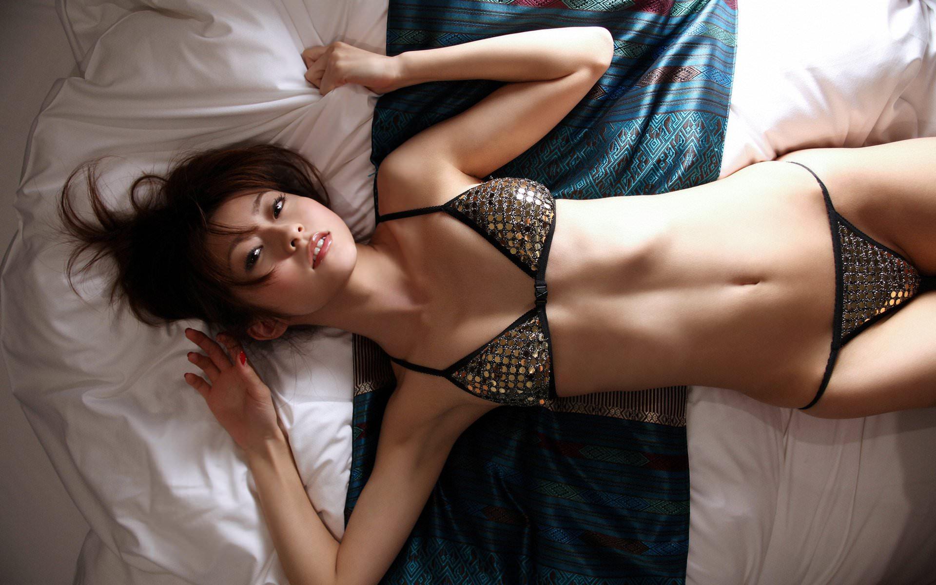 Сексуальные азиатки эротическом нижнем белье 2 фотография