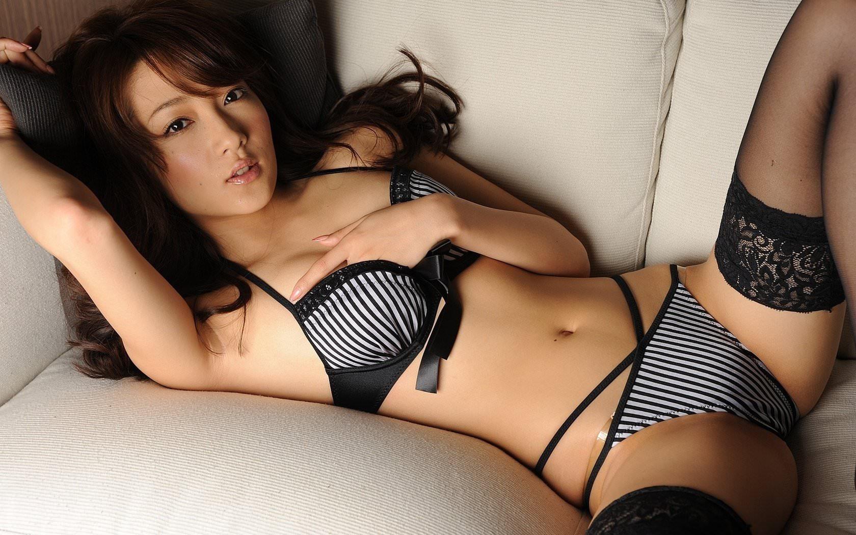 сексуальные фото японок в лифчиках и трусиках