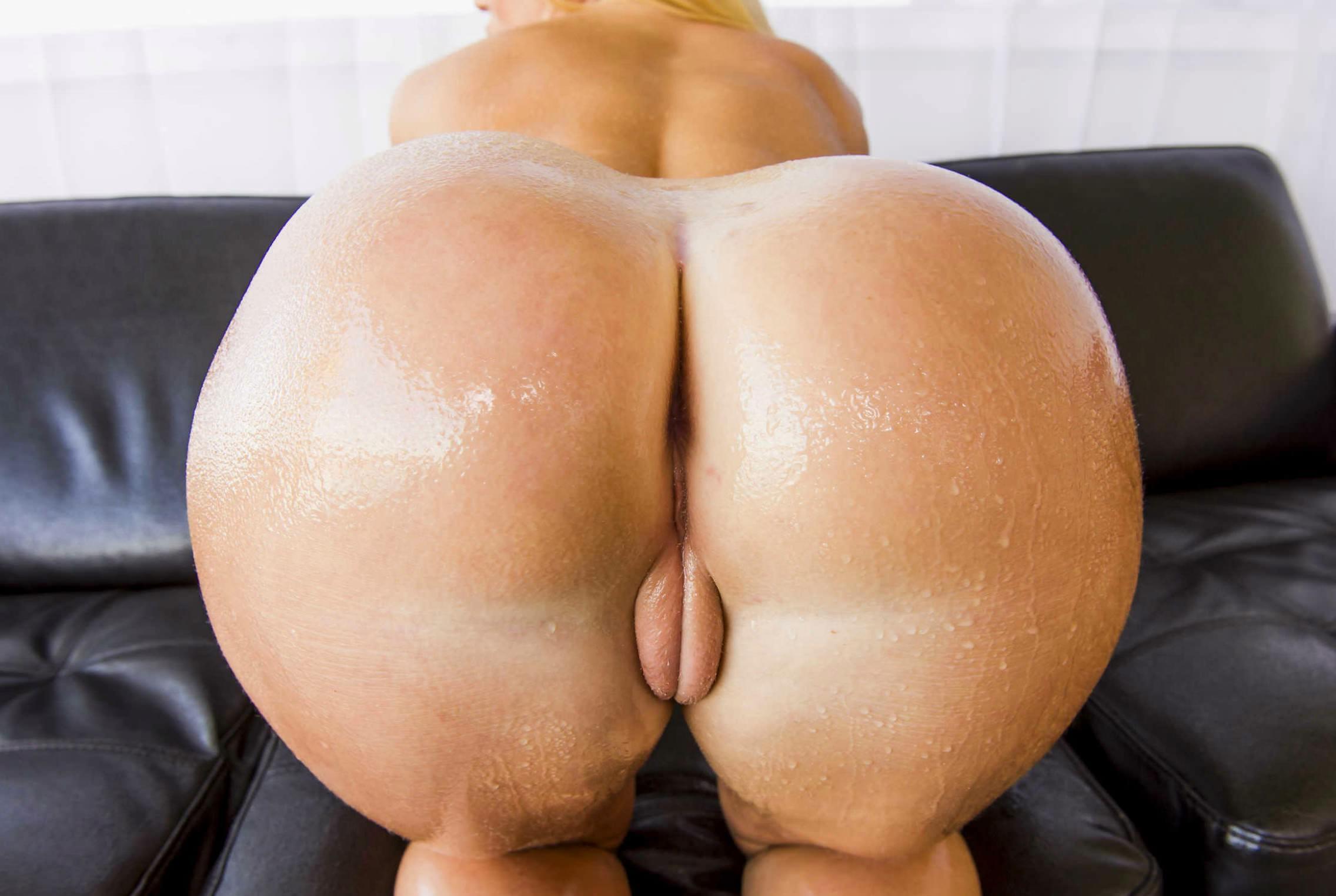 Попы в мокрых штанах порно фото 4 фотография
