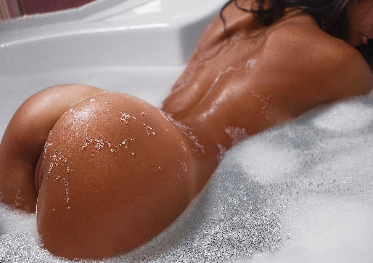 Фото красивой мокрой попки 5 фотография