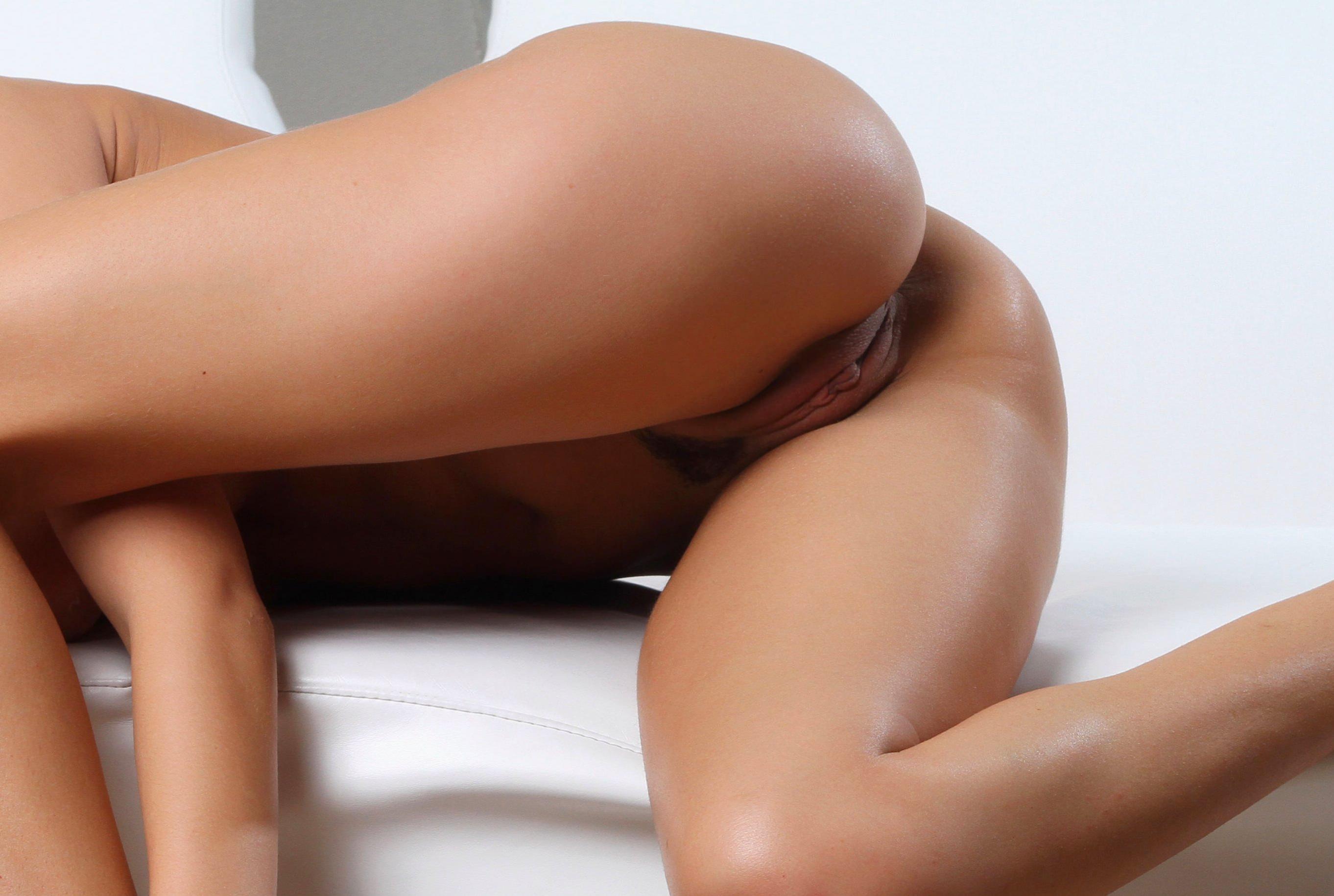 Фото красивых голых девушек с упругой попкой 19 фотография