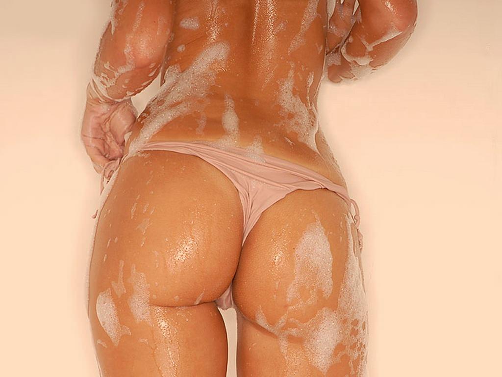 Фото мокрые в масле жопы