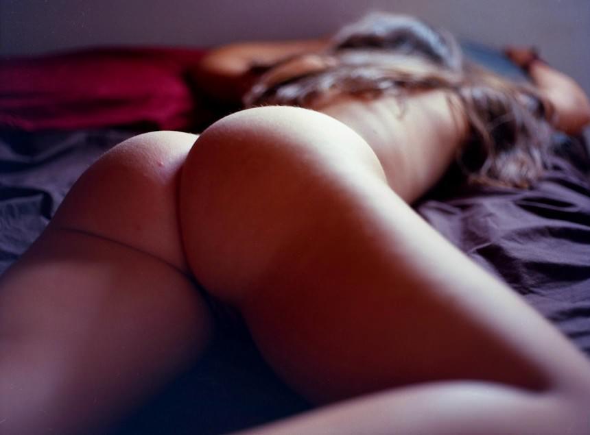 popki-v-posteli