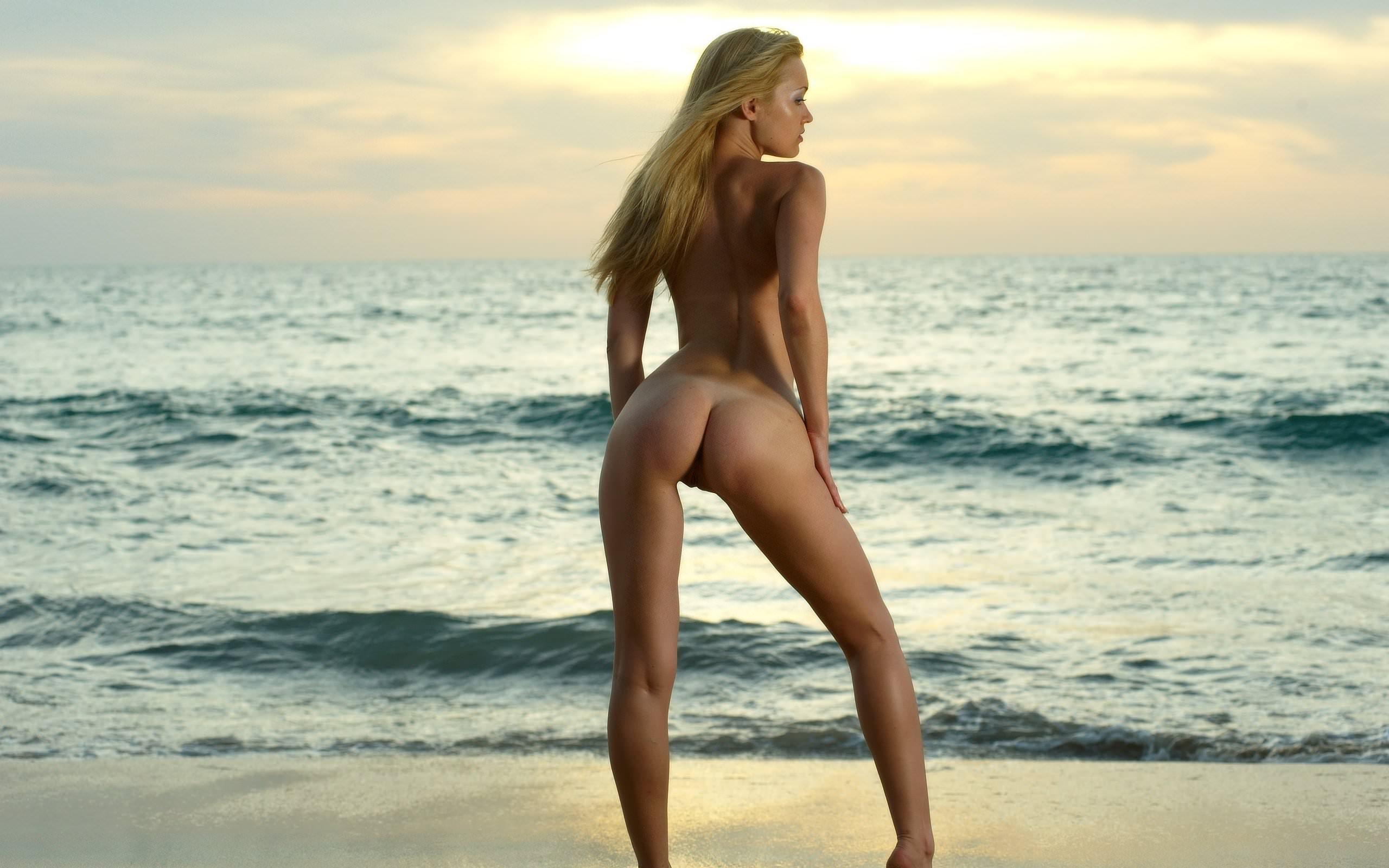 Секси у моря 17 фотография