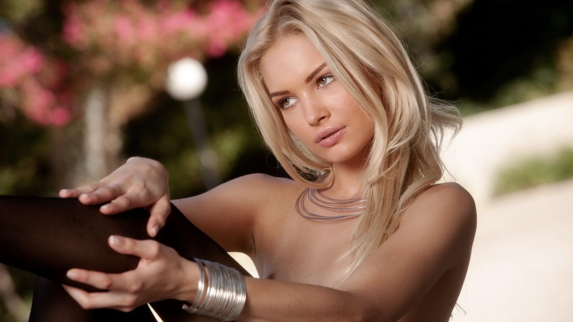 luchshee-porno-molodih-blondinok