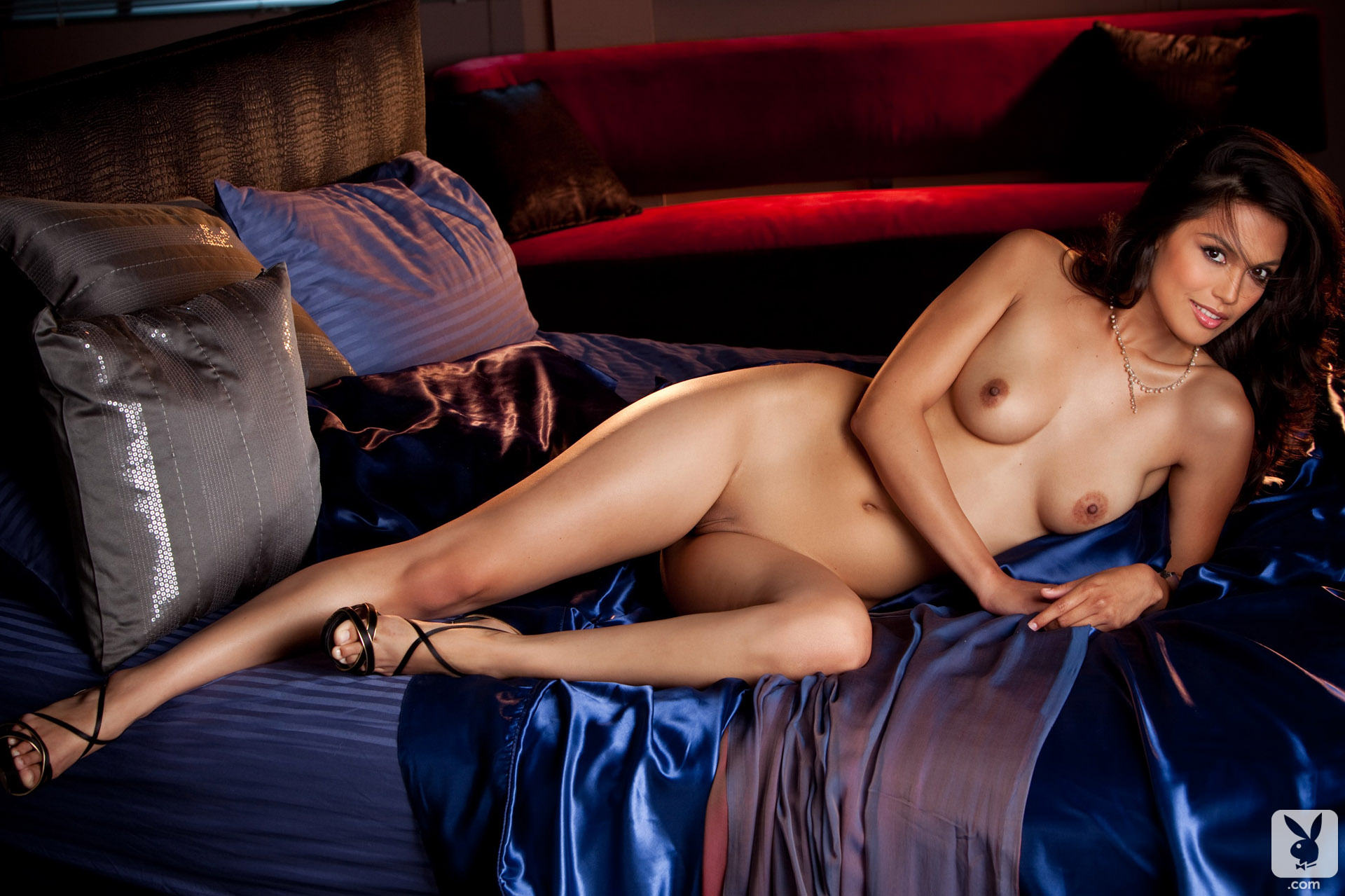 картинки полу голые девушки в темноте