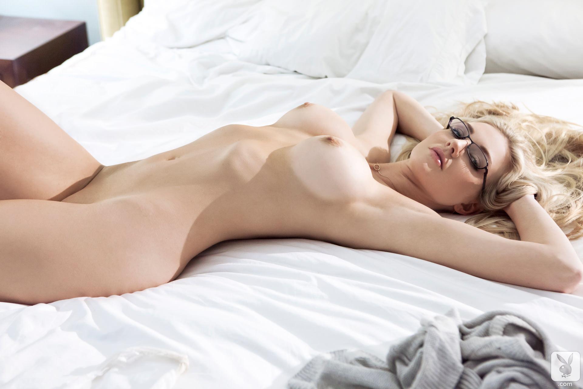 Эротика девушка с очками 9 фотография