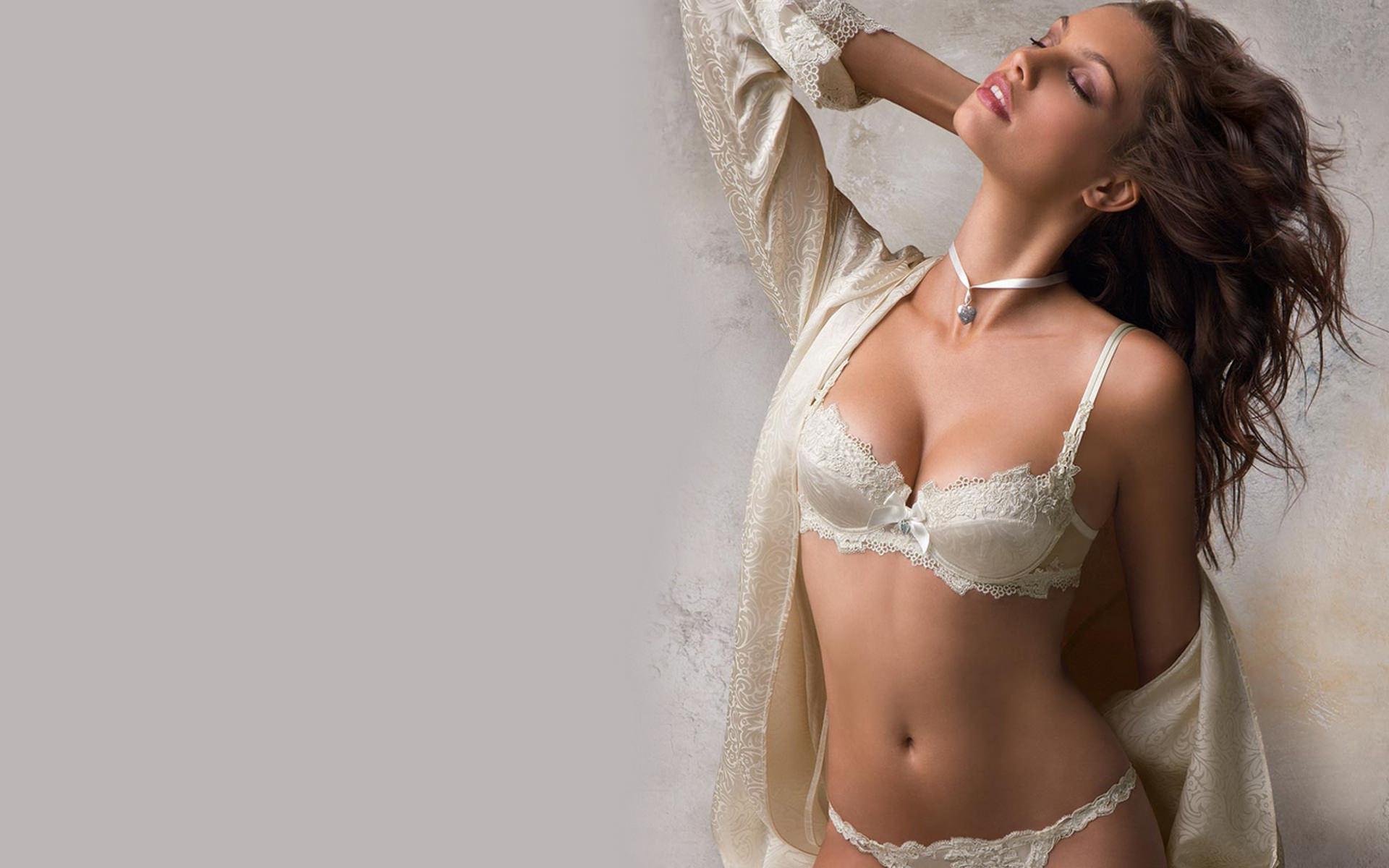 Фото женщины в красивом нижнем белье 17 фотография