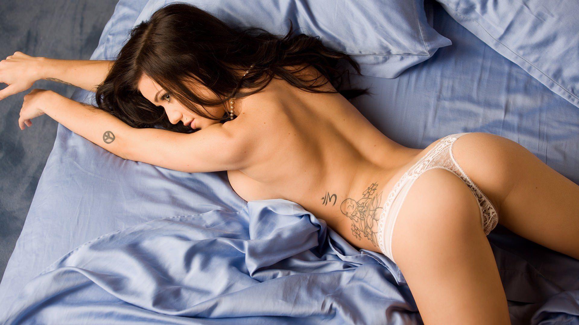 Секс в красивых белых трусиках 20 фотография