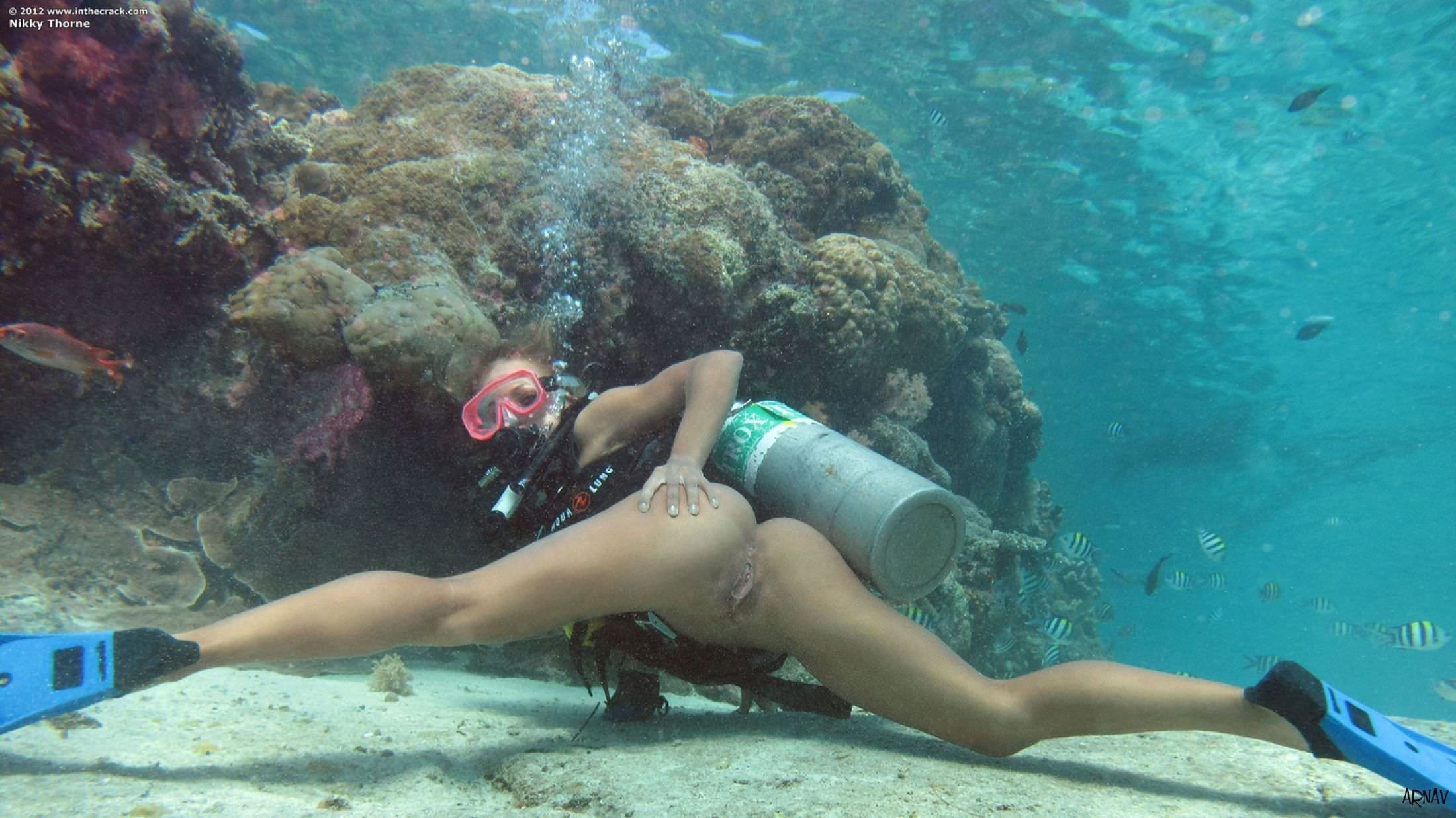 скачать торрент эротика девушка под водой с аквалангом