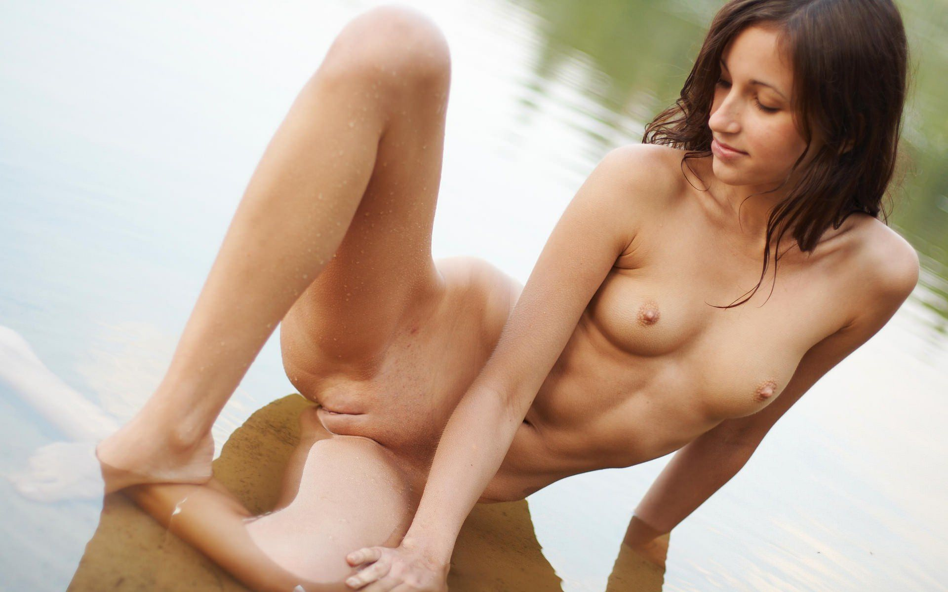 Фото голых целующихся девушек 28 фотография
