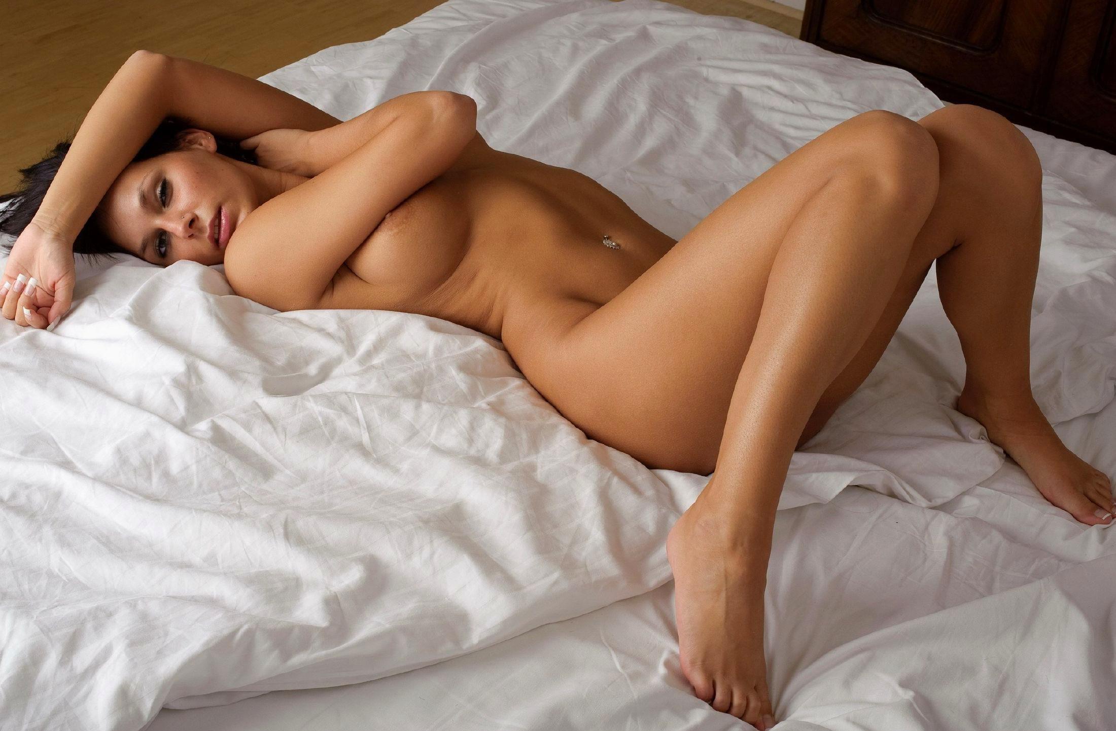 Самые красивые голые женские ноги 10 фотография