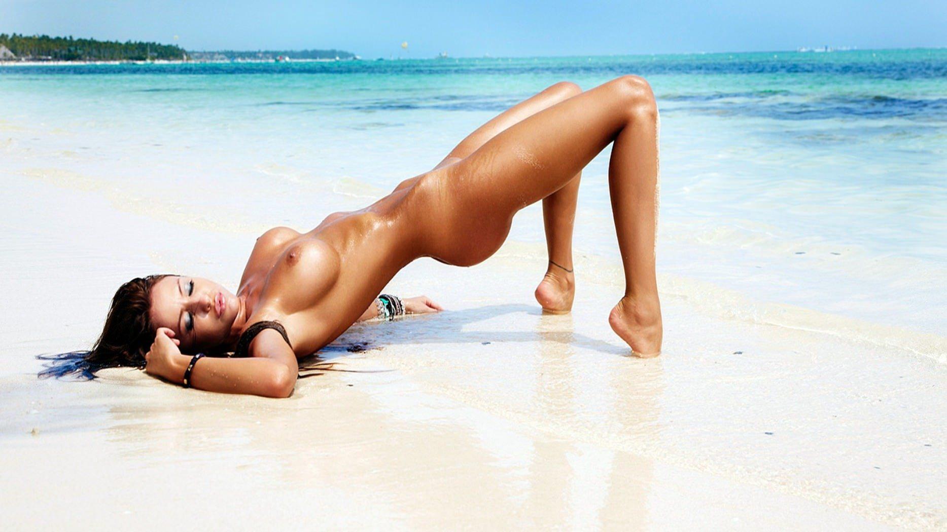 Эротическая фантазия пляж 8 фотография