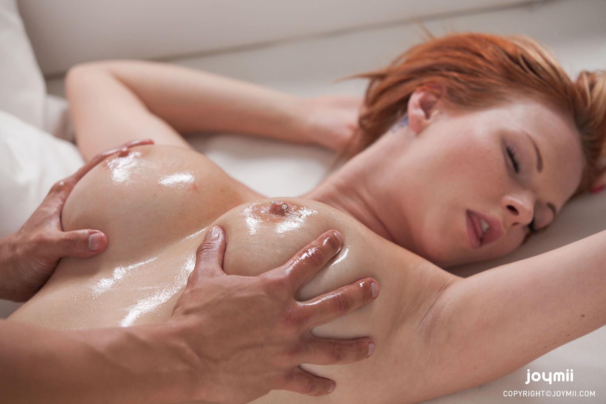 Порно массаж сиськи