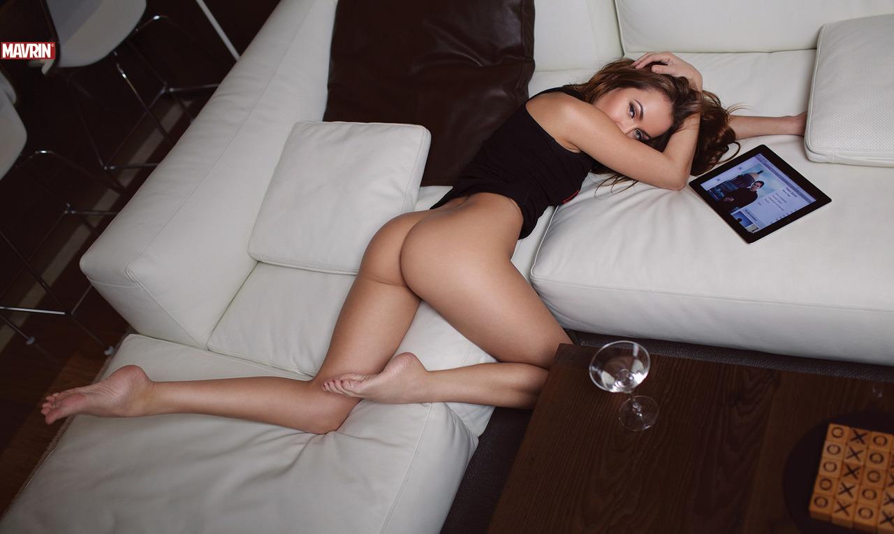 Фото девчонок из москвы эротика белые трусики 26 фотография
