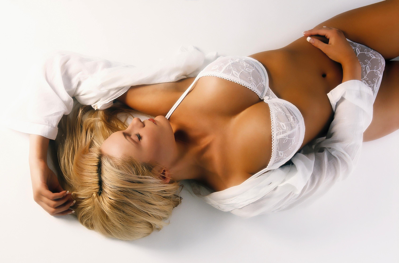 Секси девочки с высокой грудью 25 фотография