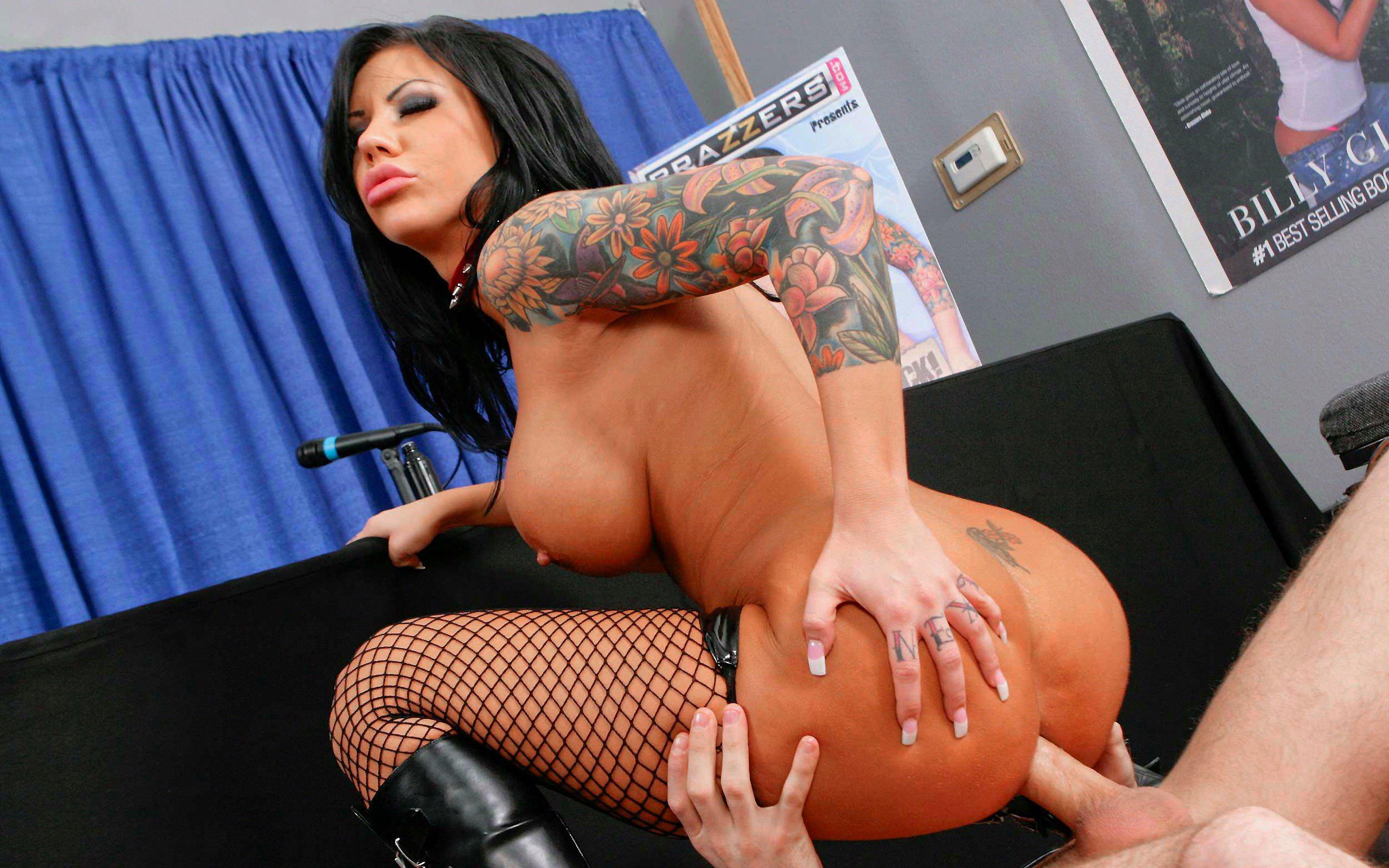 секс с татуированной