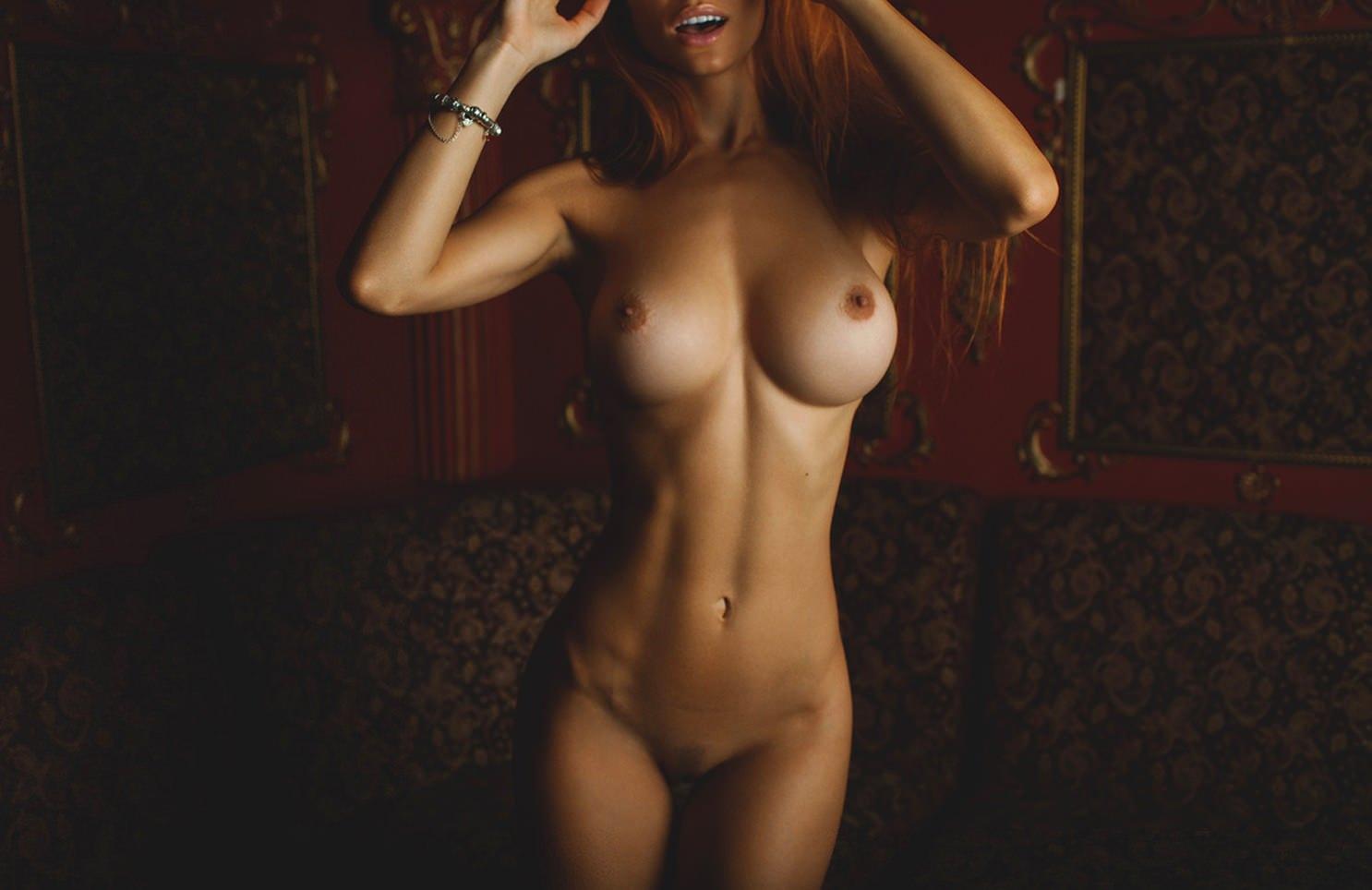 Фото голая грудь в профиль 1 фотография