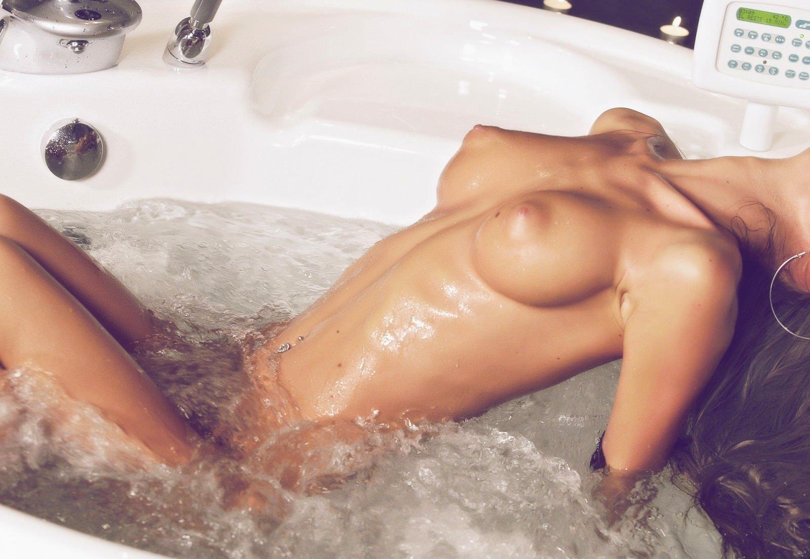 Эротические фото мокрое тело 1 фотография