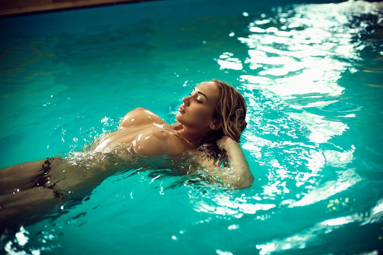 Сися в воде 6 фотография