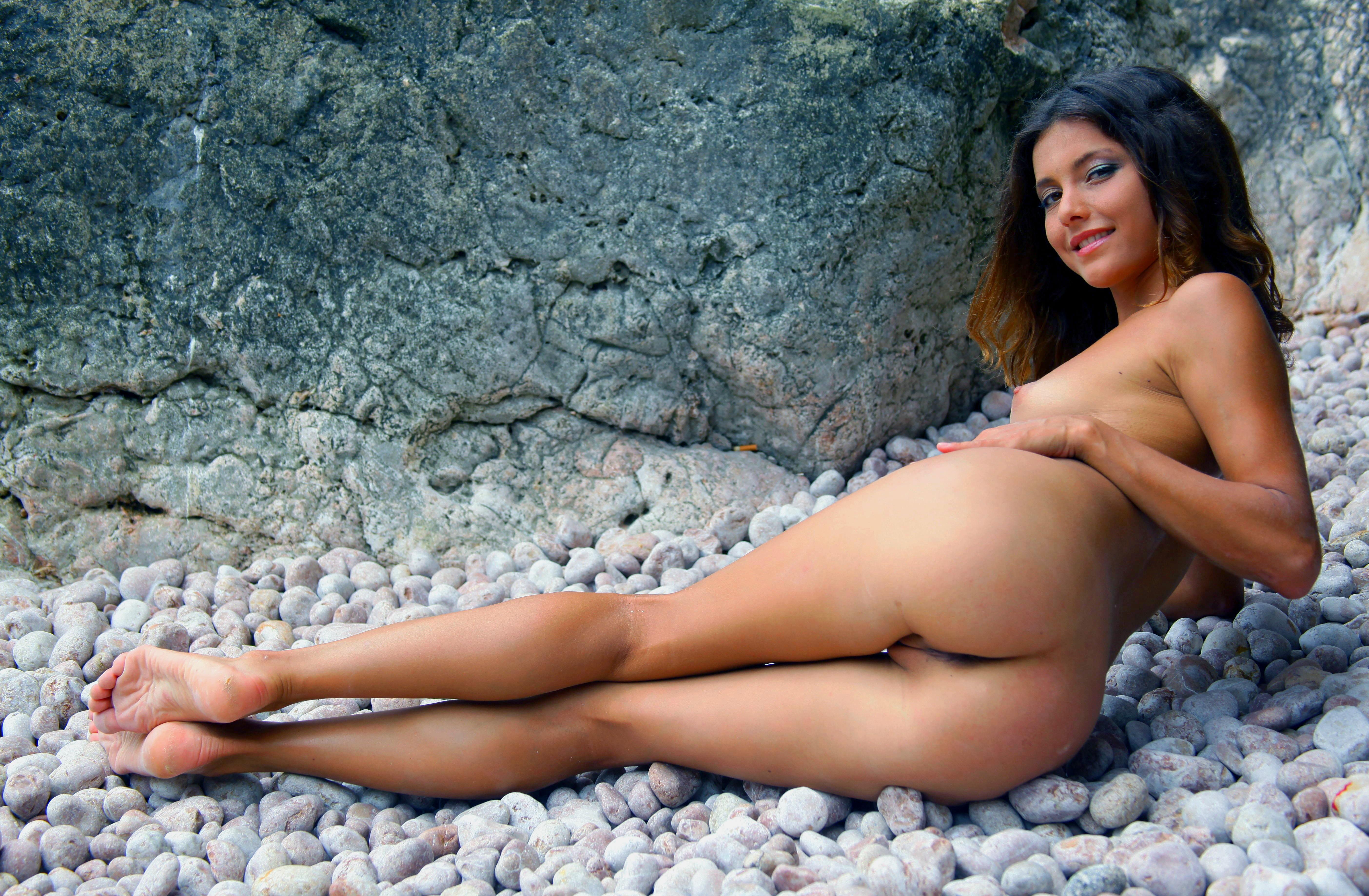Стройные ножки голых девушек 10 фотография