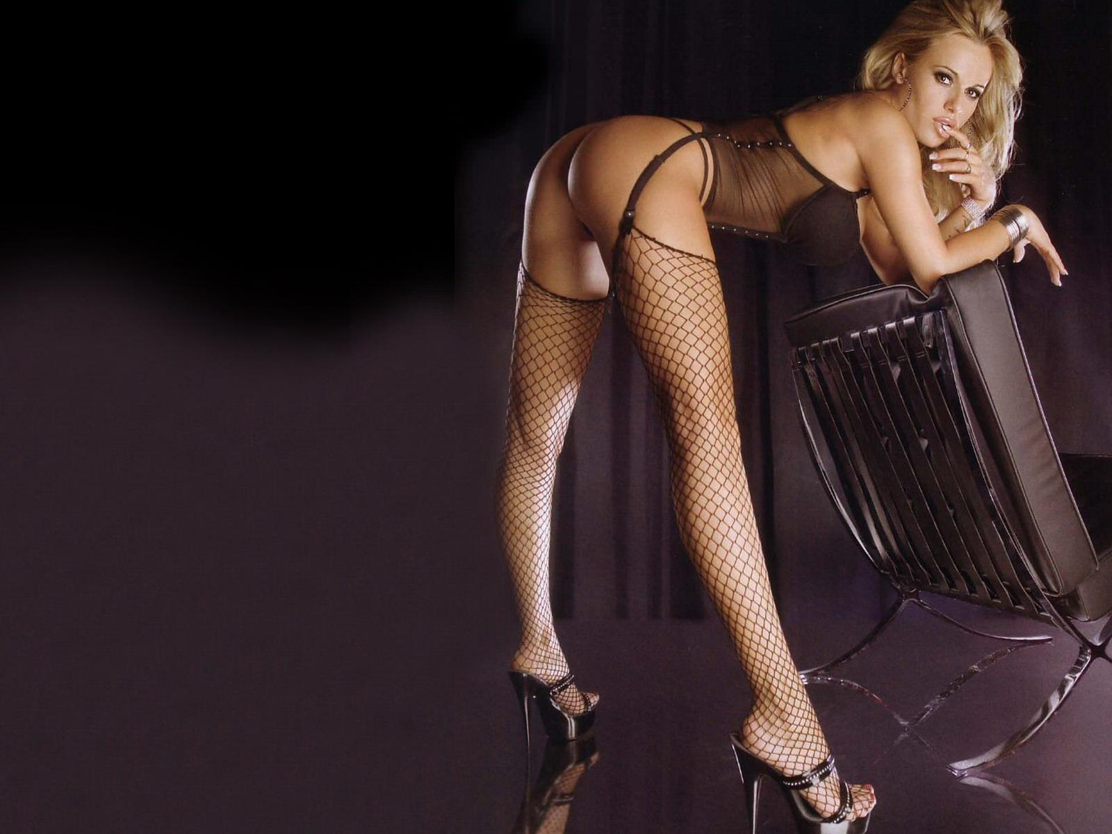 Фото красивых блондинок в чулках 25 фотография