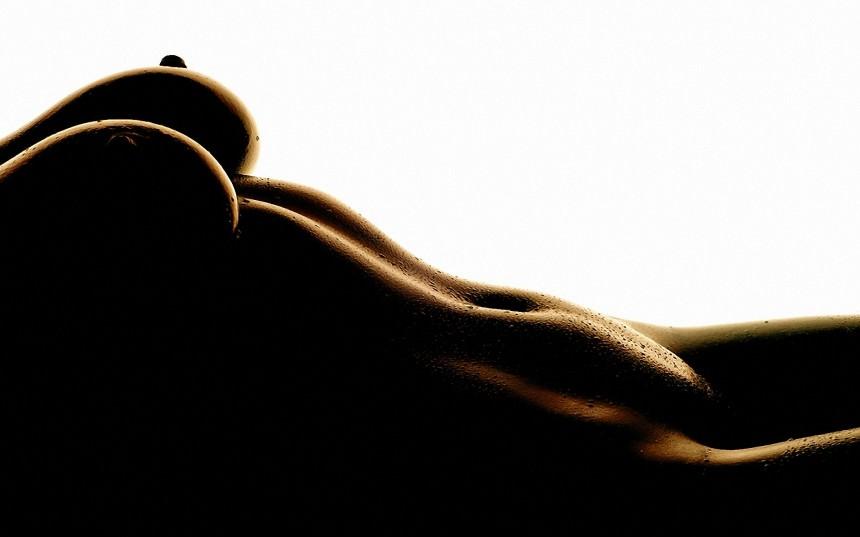 Грудь,минимализм,соски,красивое тело.
