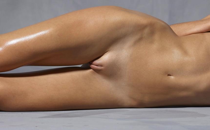 Фото между женских ног 17 фотография