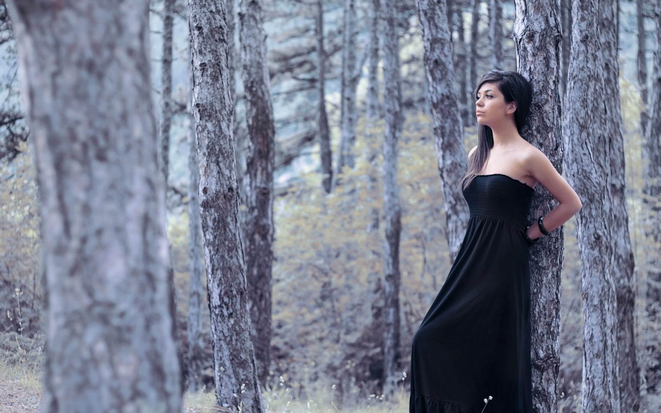 Прижался к девушке в лесу рассказ 5 фотография